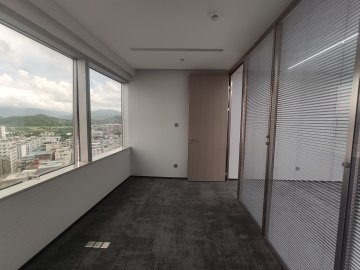 紧邻地铁 中信城市广场 93平米可备案 中层电梯口