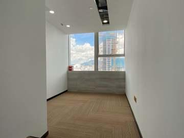 334平米世界金融中心 中层地铁直达 可备案精装