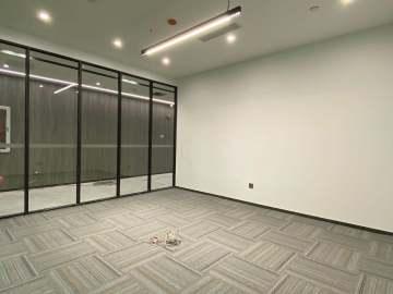 深华商业大厦低层 318平米近地铁 可备案精装