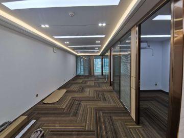 紧邻地铁 金润大厦 245平米可备案 低层业主直租