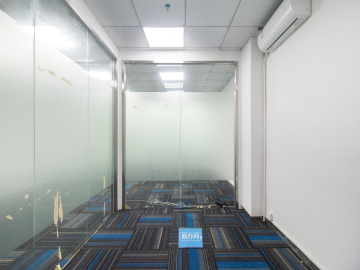 马家龙工业区 176平米 精装配套完善 高层