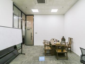 赛格eco中心中层 310平米可备案 精装商业完善