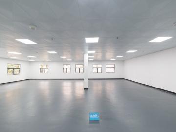 康扬创客谷 353平米 精装 中层