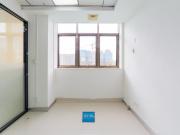 185平米港之龙商务中心 中层紧邻地铁 高使用率精装