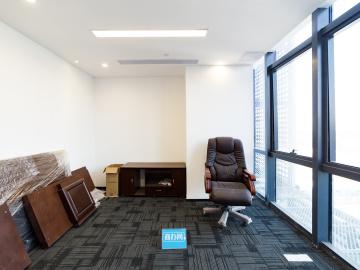 宝新科技园 215平米 可备案精装 低层