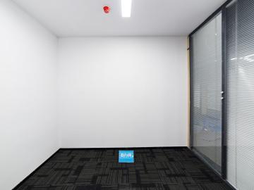 宝新科技园 217平米 可备案精装 低层