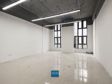 启迪协信科技园 96平米 精装 中层