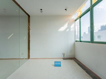 297平米深圳市高新技术产业园 高层紧邻地铁 特价!精装