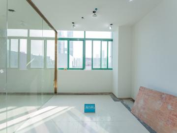 紧邻地铁 深圳市高新技术产业园 333平米价格便宜 高层精装