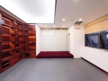 258平米美年广场 高层可备案 电梯口配套齐全