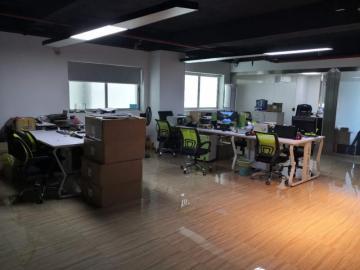 湖北大厦 150平米 电梯口直租 中层企业聚集地写字楼出租