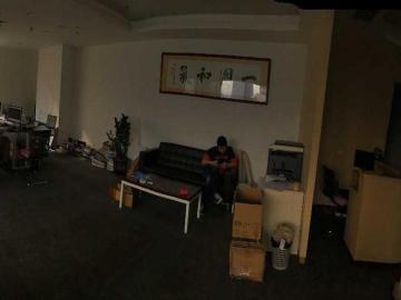 荣超英隆大厦 208平米 配套完善 低层 诚心出售