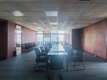 新世界商务中心 292平米 装修好 低层 业主急售