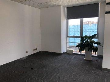 荣超滨海大厦 82平米 装修好 中层 业主急售