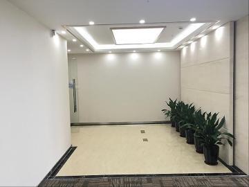 新世界商务中心 575平米 装修好 中层 甩售