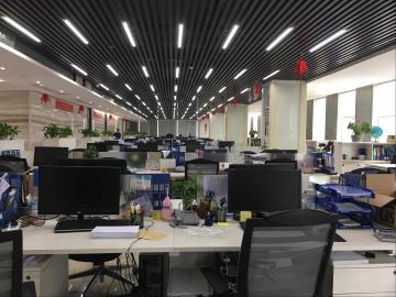 1690平米深圳市软件产业基地 中层楼下地铁 自用更佳精装