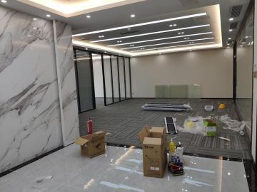 易尚中心中层 240平米精装 优选办公随时看房