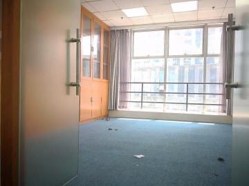 万骏经贸大厦 67平米 地铁口装修好 低层在售