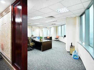 194平米地王大厦 中层交通枢纽 精装修甩售