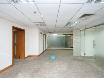 地铁口 圣庭苑世纪楼 137平米上下水 高层装修好写字楼出租