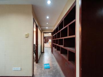 圣庭苑世纪楼低层 214平米临地铁 可备案企业聚集地写字楼出租