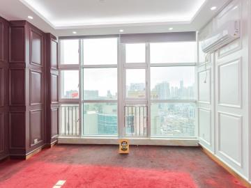 125平米新天世纪商务中心 低层地铁口 配套成熟业主急售