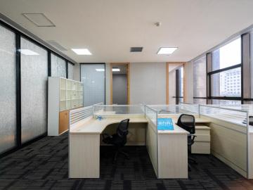 鴻隆世紀廣場低層 176平米地鐵旁 可備案裝修好寫字樓出租