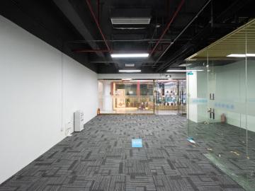 120平米中设广场 低层特价 正电梯口拎包入驻写字楼出租