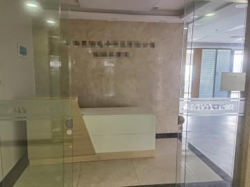 喜年中心 326平米 地铁直达电梯口 高层配套完善