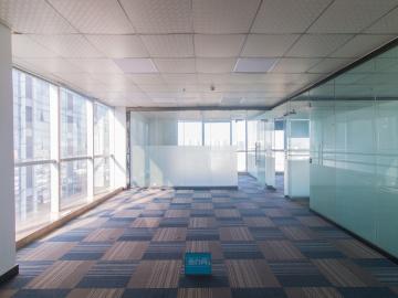 180平米卫东龙商务大厦 中层精装 优选办公随时看房