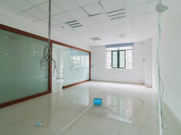 有地铁 宝源华丰总部经济大厦 110平米可备案 低层地段优越写字楼出租