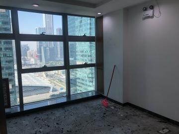 卓越世纪中心中层 133平米地铁旁 装修好甩售