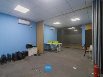 坂田国际中心 80平米 红本备案位置优越 中层专业服务写字楼出租