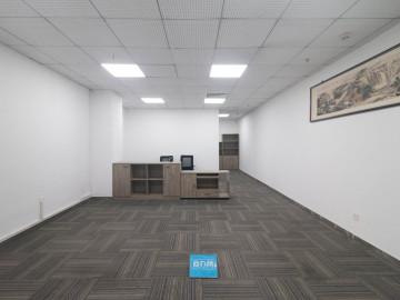 优惠! 兰光科技大厦 195平米电梯口 低层精装修写字楼出租