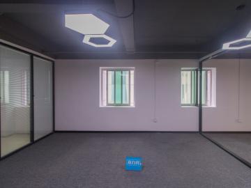 海岸未来科技孵化中心中层 88平米近地铁 商业完善优选办公