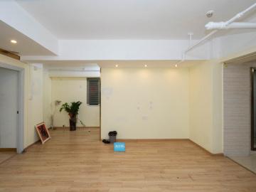 192平米新天世纪商务中心 中层优惠好房 有上下水配套完善