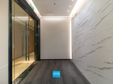 卓越前海壹号 390平米 特价装修好 低层优质房源写字楼出租
