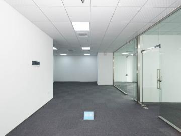 卓越世纪中心低层 232平米地铁口 可备案业主直租
