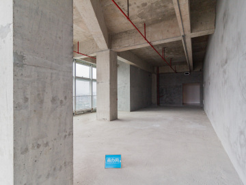 139平米南太云创谷园区 高层业主直租 办公好房随时看房