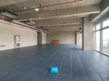 326平米侨城一号 中层地铁旁 使用率高专业服务写字楼出租