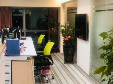 紧邻地铁 田厦国际中心 142平米热门地段 中层房主直售