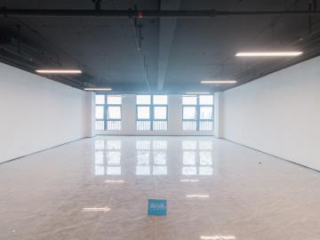 新龙大厦 221平米 热门地段优选办公 高层办公好房