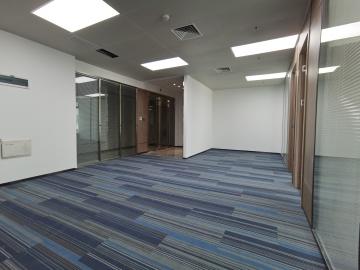 地铁出口 融创智汇大厦 192平米拎包入驻 中层舒适办公写字楼出租