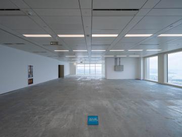 平安金融中心中层 543平米有地铁 可备案直租写字楼出租