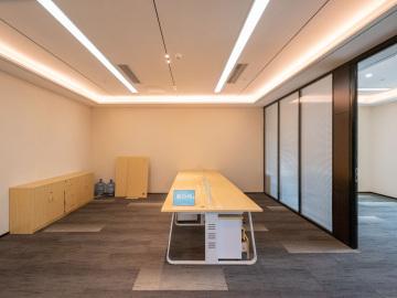 京地大厦 198平米 地铁口红本备案 高层位置优越写字楼出租