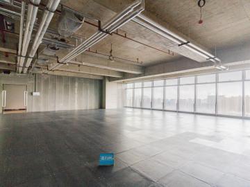 沿地铁 宏发前城中心 112平米地段优越 中层专业服务写字楼出租