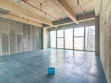 地铁出口 前海香缤大厦 197平米红本备案 高层装修好写字楼出租