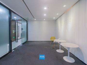 坂田国际中心 485平米 红本备案装修好 中层即租即用写字楼出租