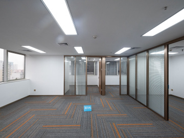 总部大厦 178平米 装修好钥匙在手 低层优质房源写字楼出租