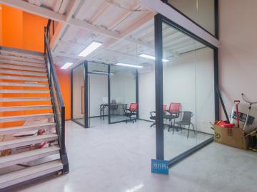 中海信创新产业城 100平米 有地铁红本备案 低层装修好写字楼出租